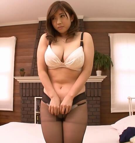 隠しきれない108cmHcup爆乳妻AVデビュー 中村知恵
